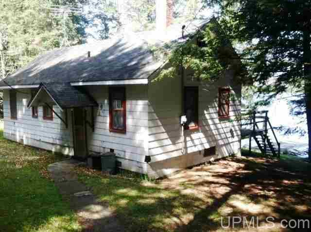 125 Bass Lake Rd, Iron River, MI 49935