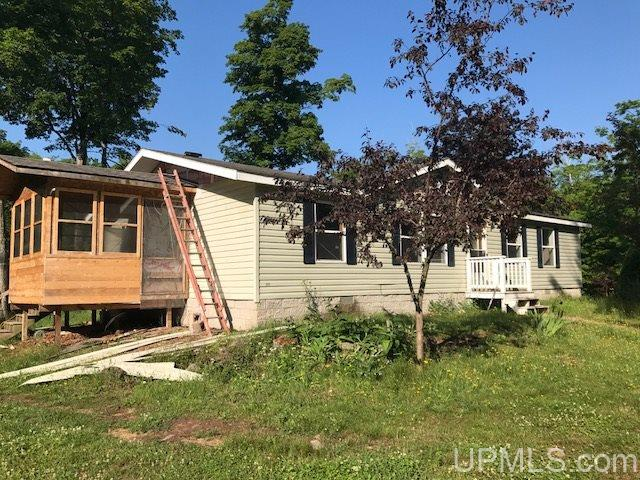 4316 Lighthouse Rd, Big Bay, MI 49808