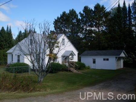 108 Gibbs City Rd, Iron River, MI 49935