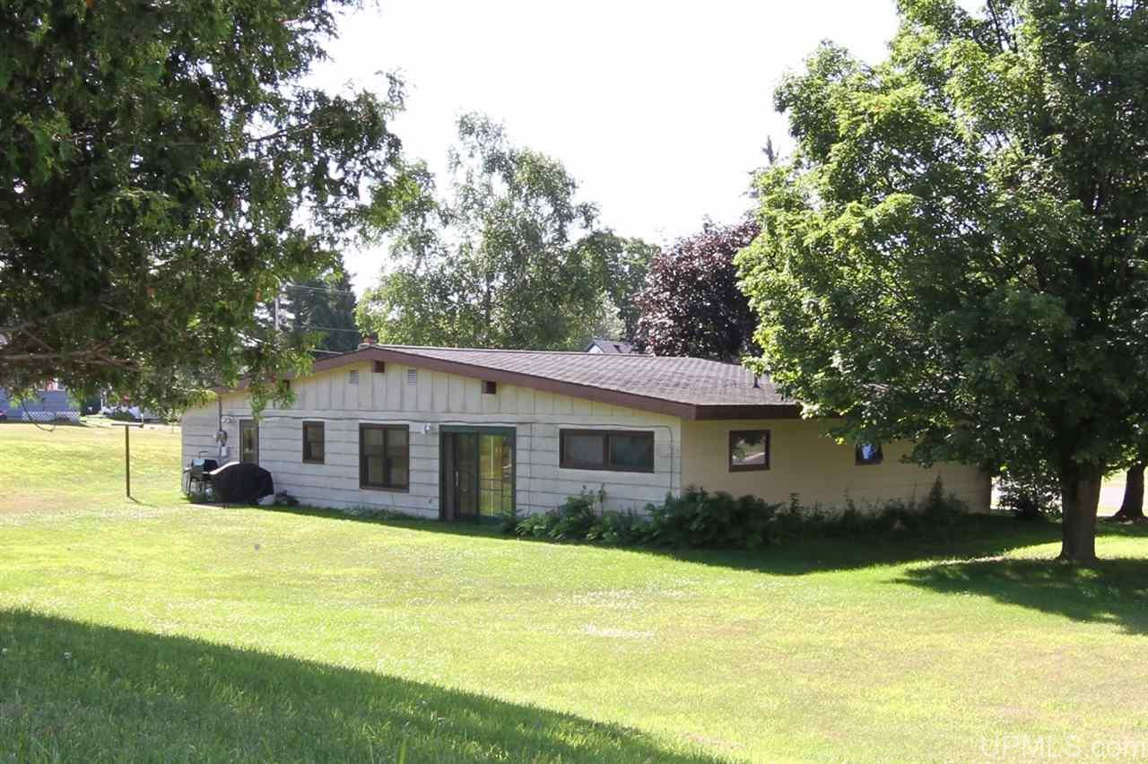 416 Florence Ave, Florence, WI 54121