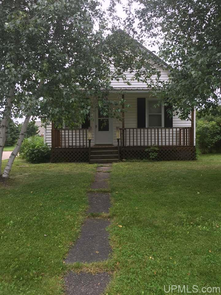 526 Baltic Ave, Caspian, MI 49915