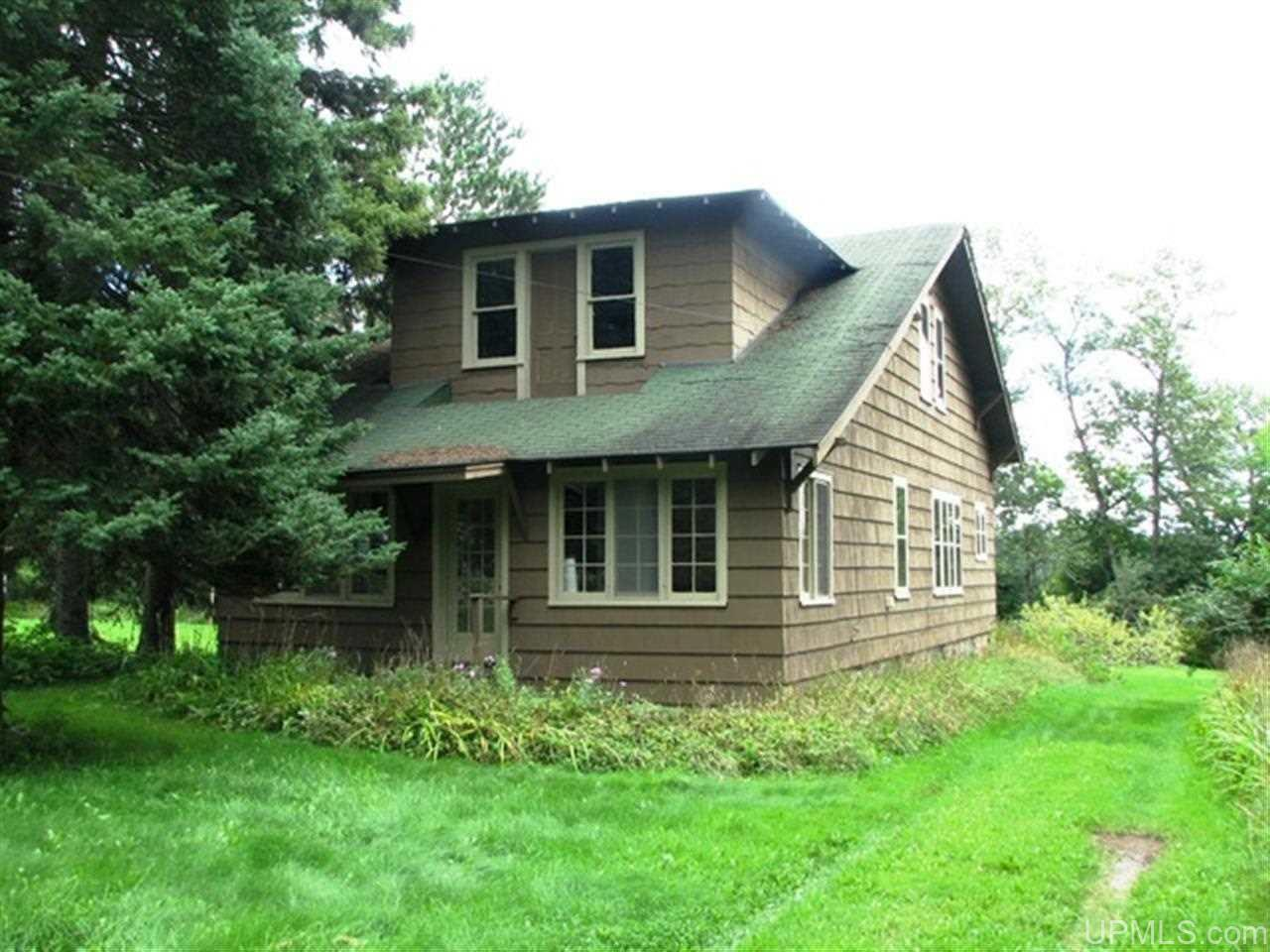 1415 Lalley Rd, Iron River, MI 49935