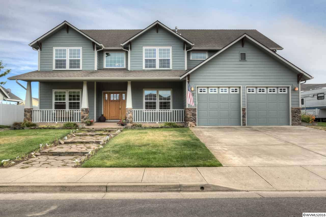 727 Luscombe St, Independence, OR 97351