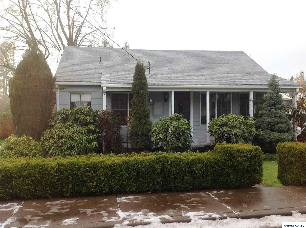 1840  12th Sweet Home, OR 97386