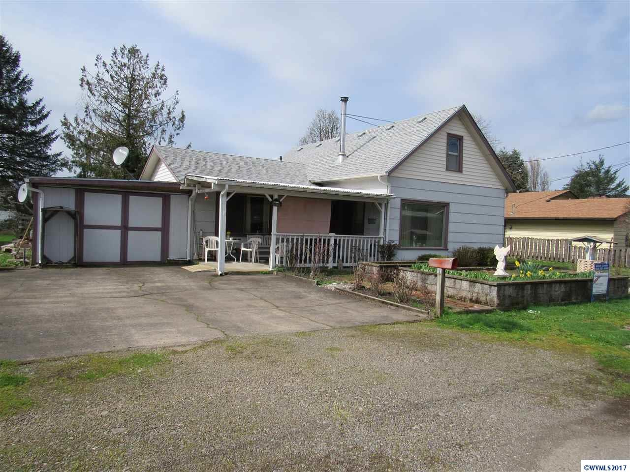 1107 SE 3rd Mill City, OR 97360