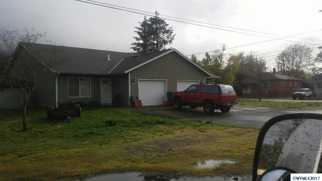 531 SW Douglas (- 533) Mill City, OR 97360