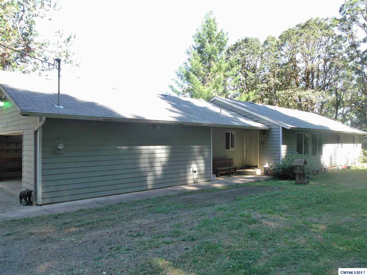 24084 Woods Creek Rd, Philomath, OR 97370