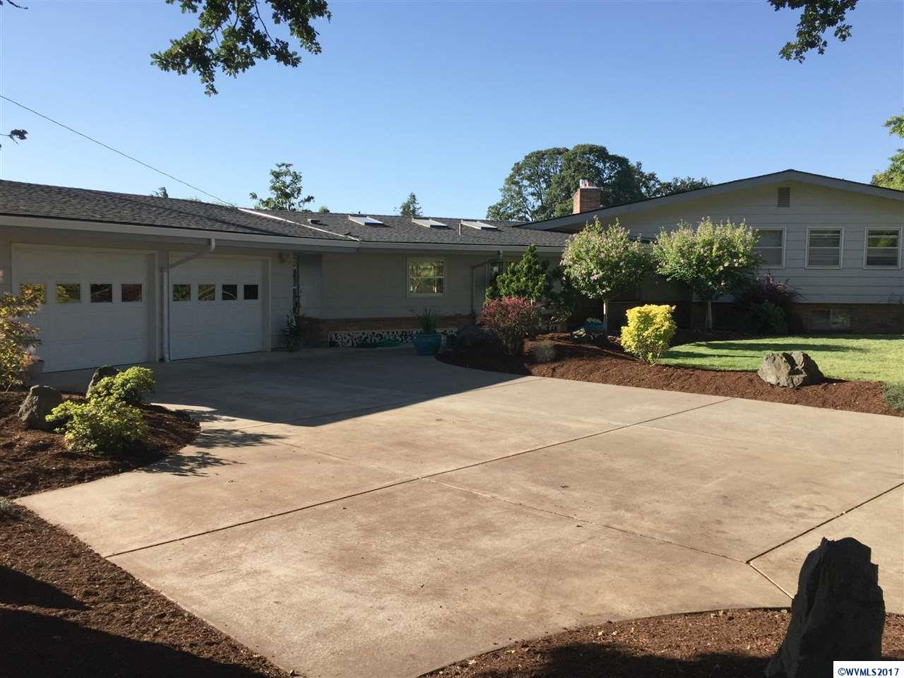 3131 South Shore Dr SE, Albany, OR 97322