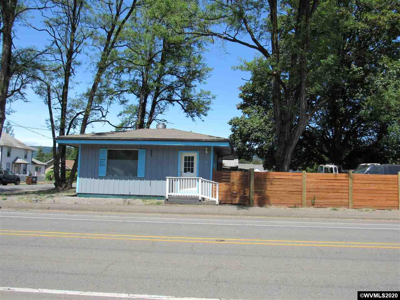 711 Main St, Lyons, Oregon 97358, ,Business Opportunity,For sale,711 Main St,766763