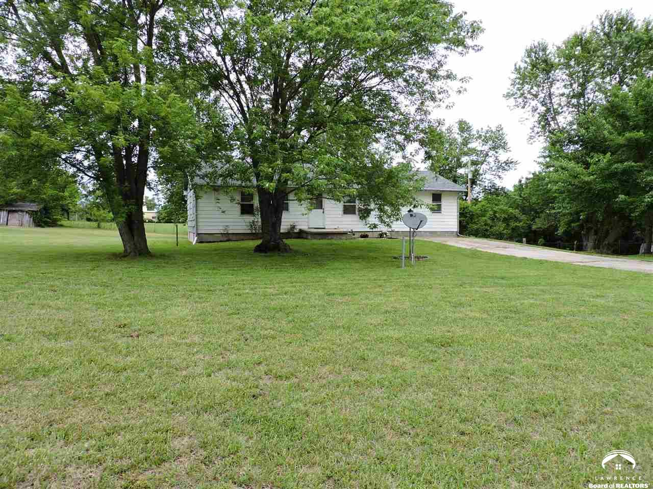 Photo of 16742 Cantrell Road Bonner Springs KS 66012