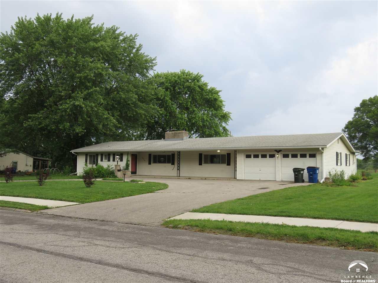Strange Lawrence Kansas Homes For Sale 180000 200000 Download Free Architecture Designs Boapuretrmadebymaigaardcom