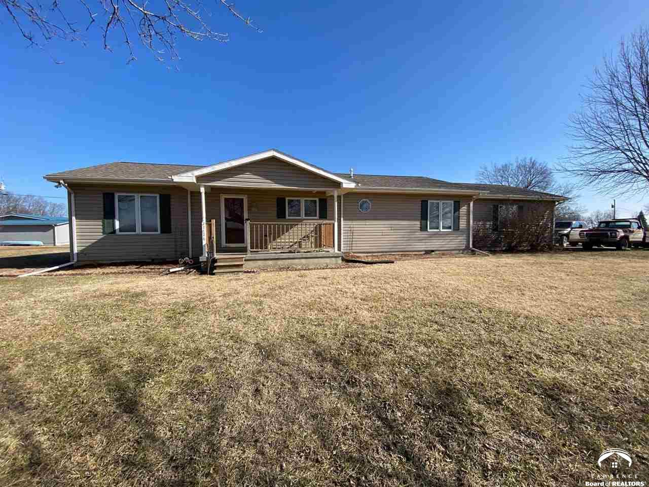 21176 Ratner, Overbrook, Kansas 66524, 3 Bedrooms Bedrooms, ,2 BathroomsBathrooms,Residential,For Sale,Ratner,153199