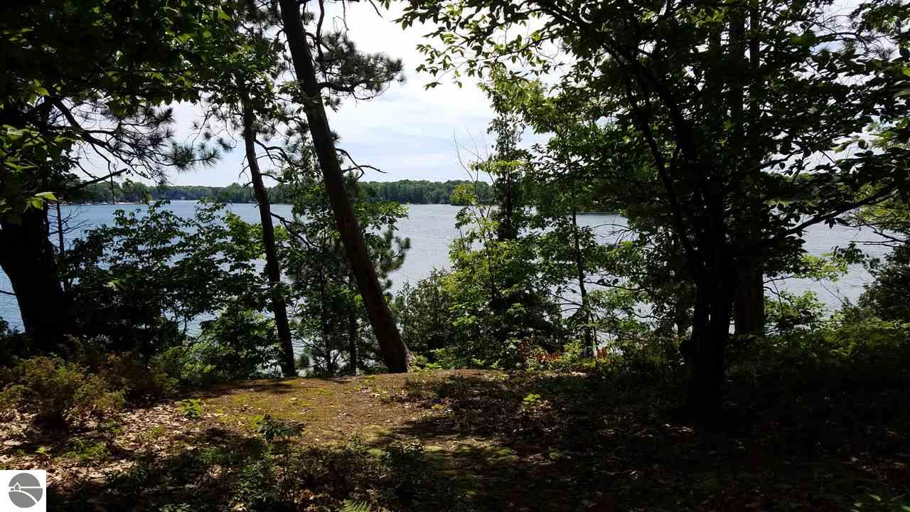 Property for sale at 5130 Silver Lake Shores, Traverse City,  MI 49685