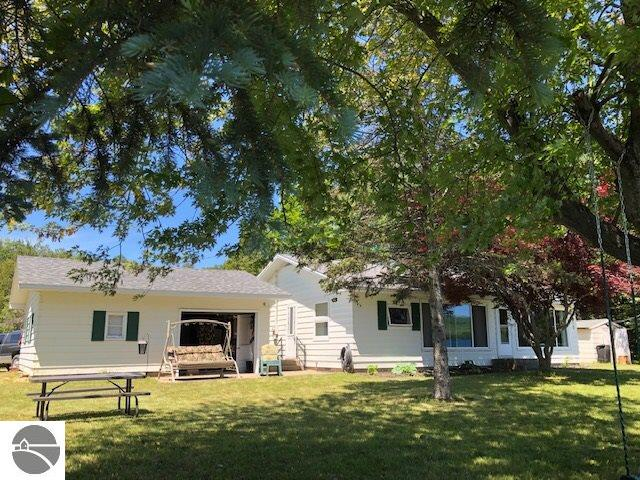 Property for sale at 1811 S Lakeshore Drive, Lake Leelanau,  MI 49653