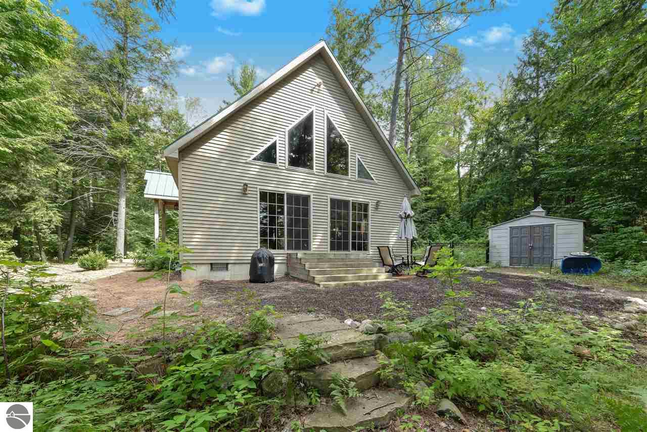 6816 Thayer Lake Road, Alden, MI 49612