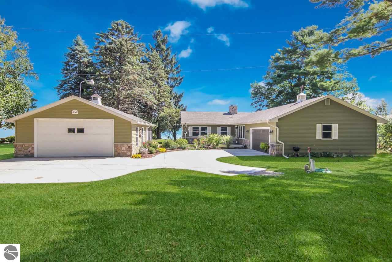 11381 Pinetree Lane, Rapid City, MI 49676