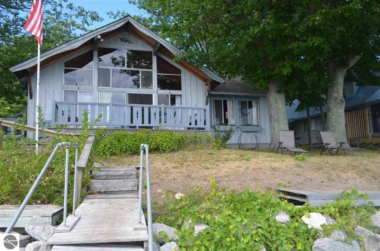 13032 N Forest Beach Shores, Northport, MI 49670