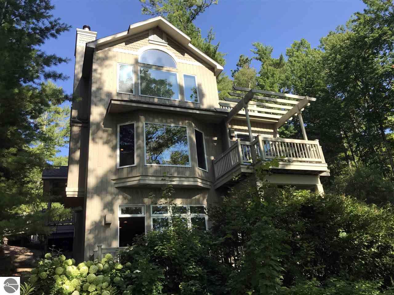 9 Brook Hill Cottages, Glen Arbor, MI 49636
