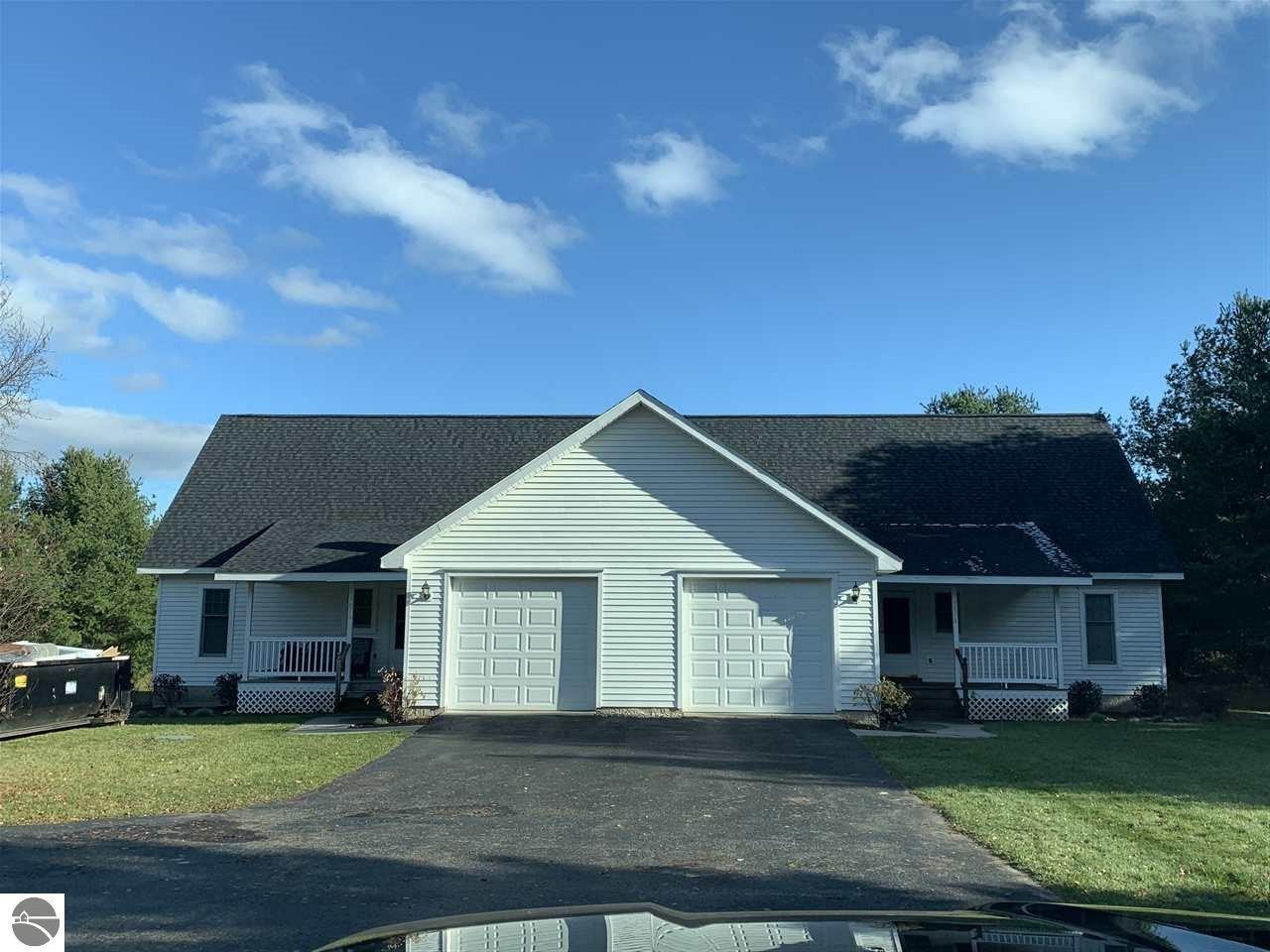 3876 Janice Lane, Traverse City, MI 49686