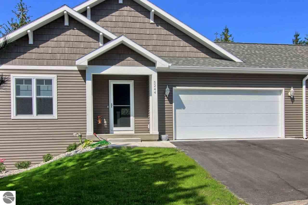 5206 Lone Maple Drive 53, Traverse City, MI 49685