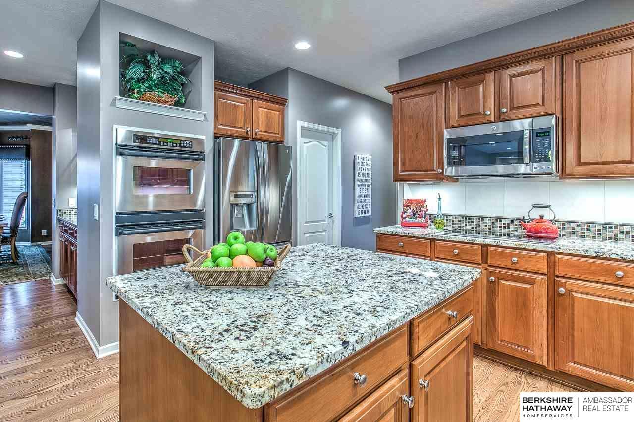 2526 S 191 Circle, Omaha, NE, 68130 | Berkshire Hathaway Home ...