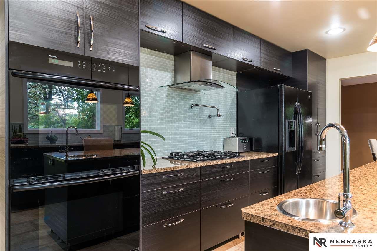 9205 Timberline Drive, Omaha, NE, 68152 | Berkshire Hathaway Home ...