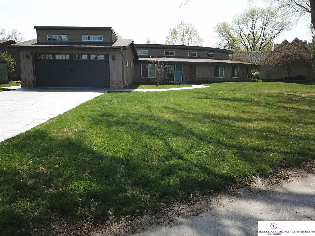 114 Ginger Cove Road Omaha Home Listings - Nancy Heim-berg Real Estate