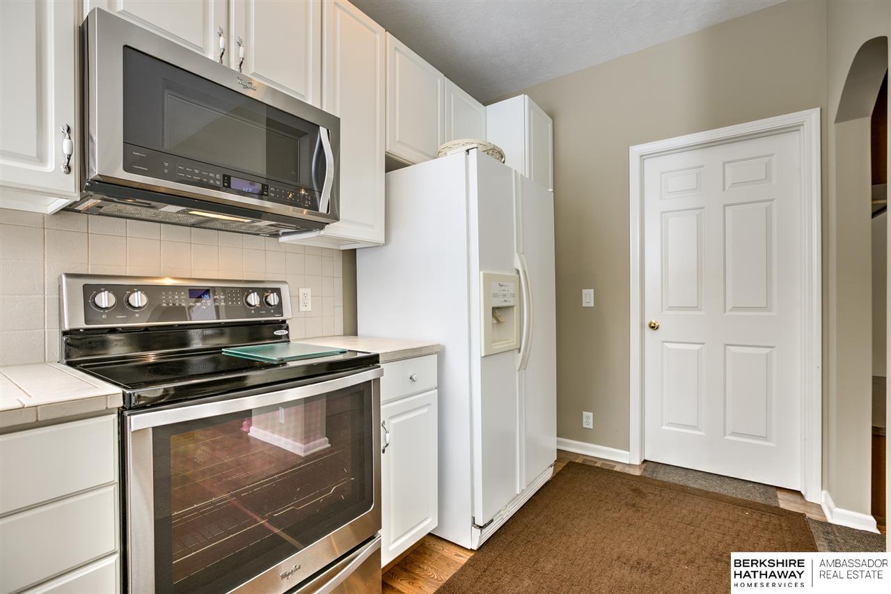 18611 Marcy Street, Elkhorn, NE, 68022 | Berkshire Hathaway Home ...