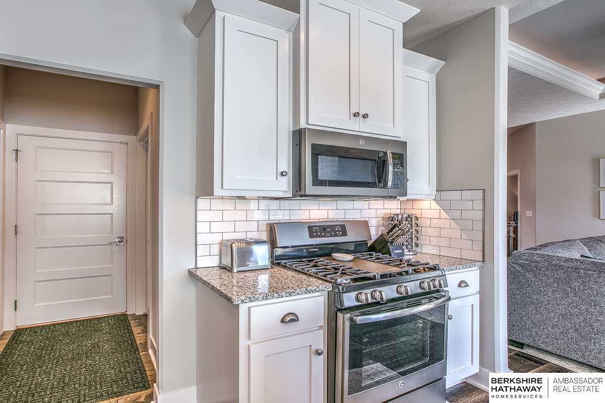 15463 Ogden Circle, Omaha, NE, 68116 | Berkshire Hathaway Home ...