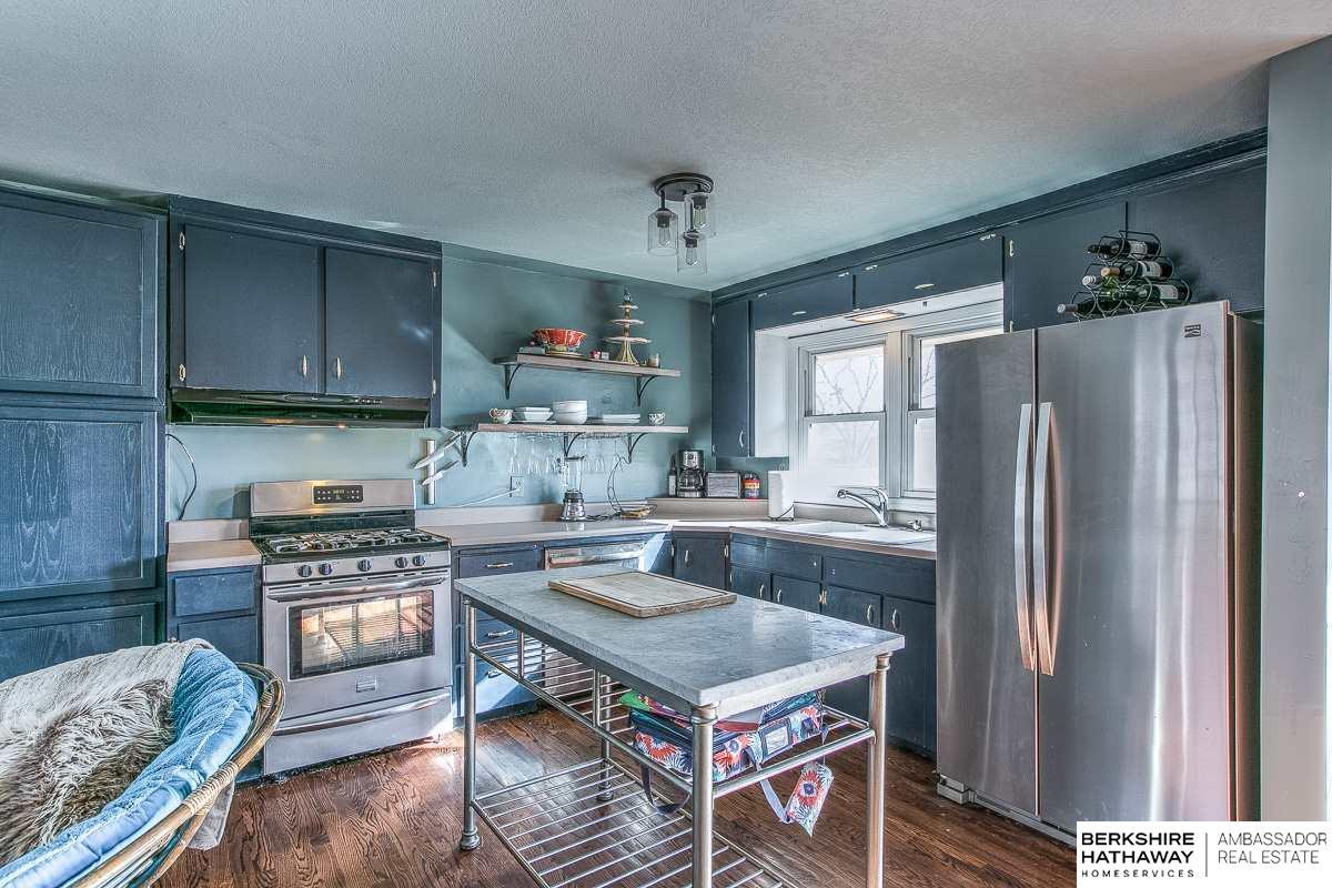 1469 N 91 Street, Omaha, NE, 68114 | Berkshire Hathaway Home ...