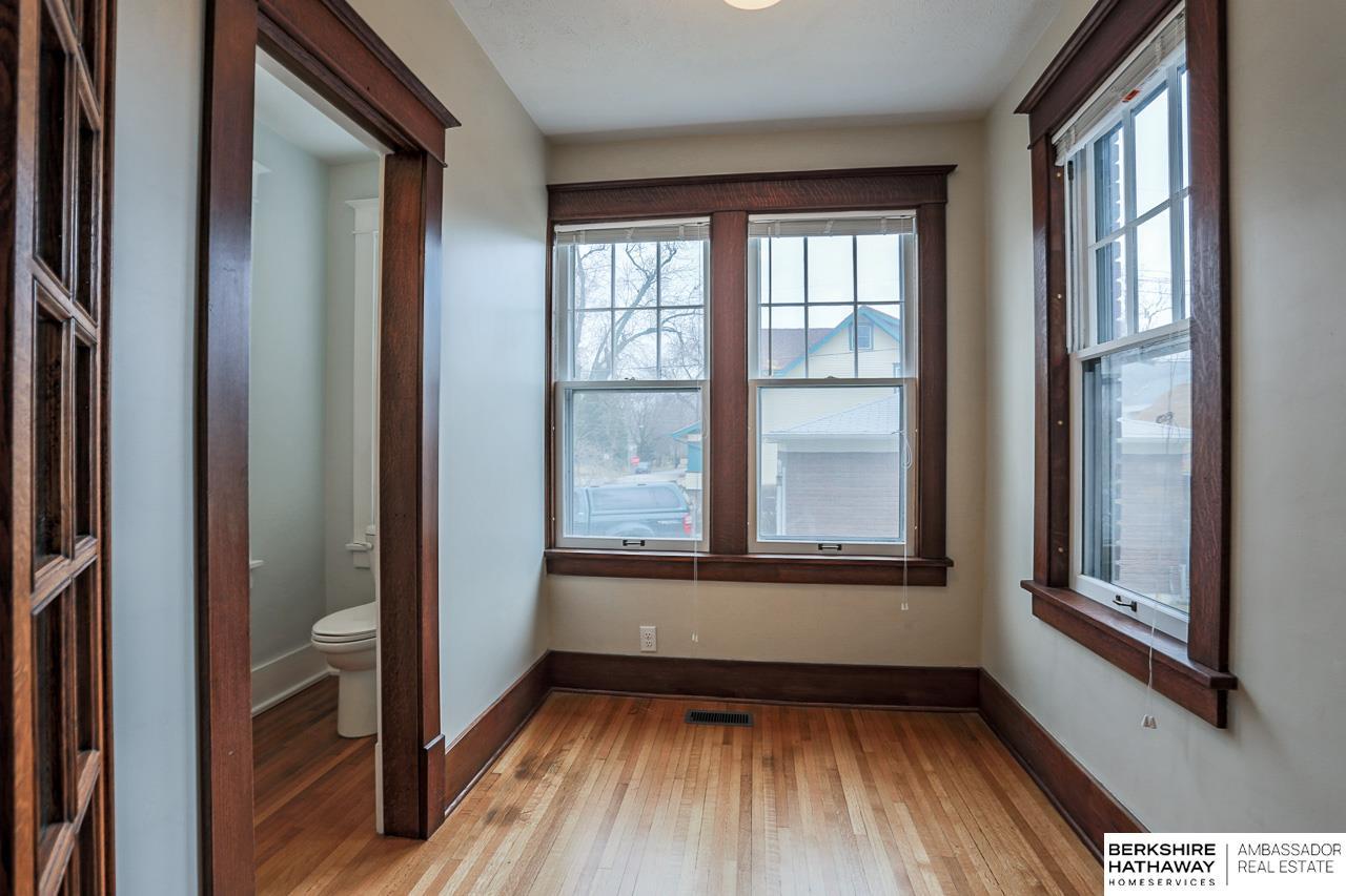 3301 Walnut Street, Omaha, NE, 68105 | Berkshire Hathaway Home ...