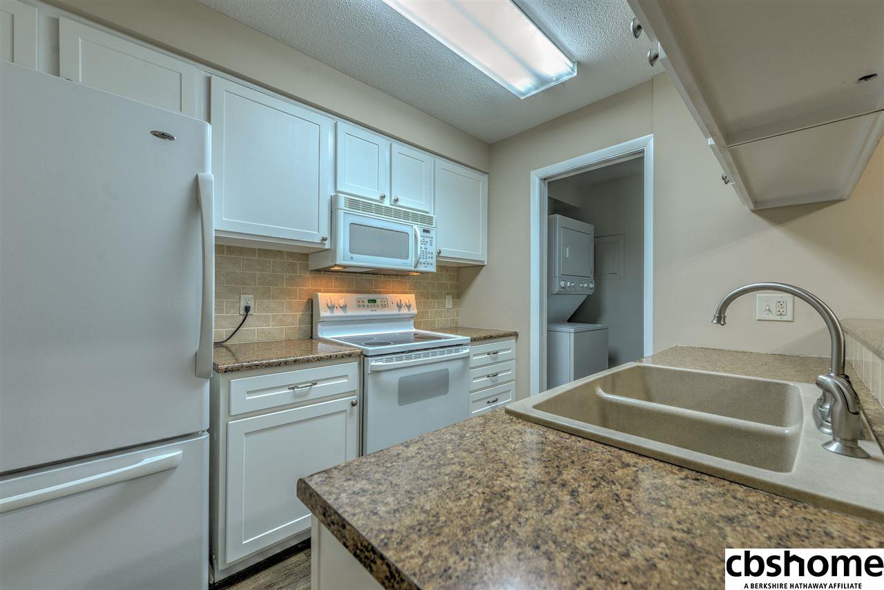 2909 S 122 Street, Omaha, NE, 68144 | Berkshire Hathaway Home ...