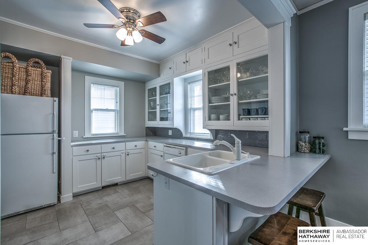 5815 Mason Street, Omaha, NE, 68106 | Berkshire Hathaway Home ...