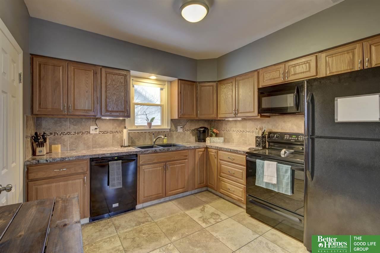 2514 S 31st Street, Omaha, NE, 68105 | Berkshire Hathaway Home ...