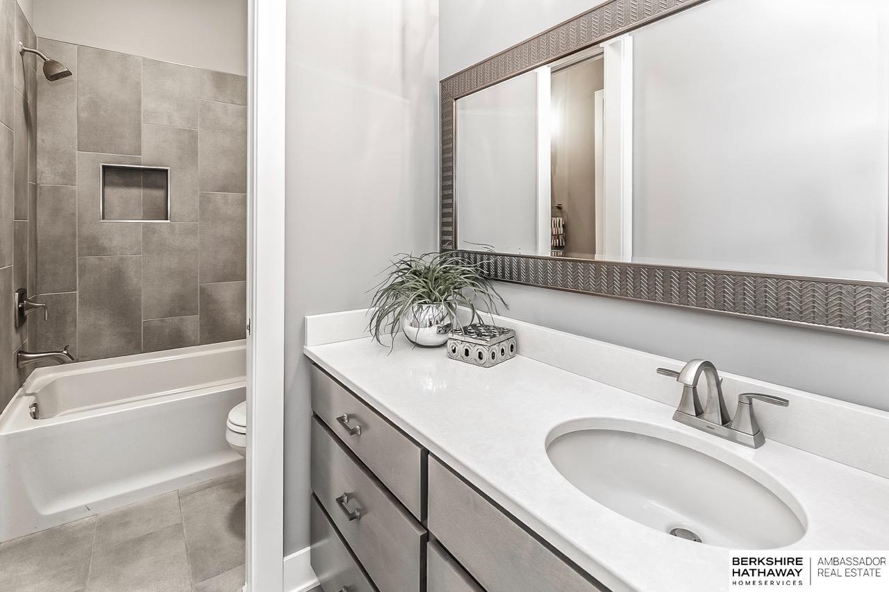 3113 N 177 Street, Omaha, NE, 68116 | Berkshire Hathaway Home ...