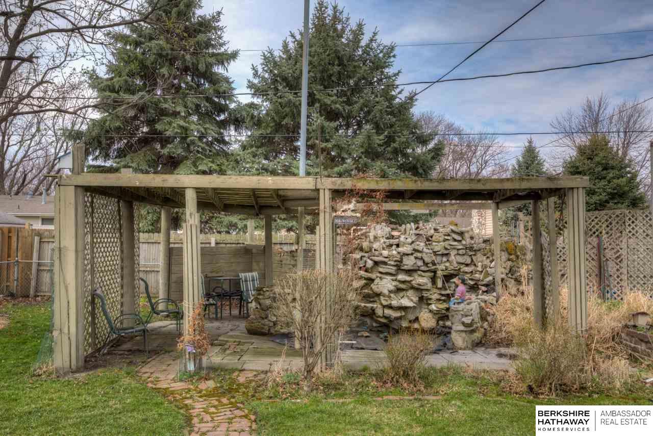 923 N Garden City Road, Fremont, NE 68025 | Berkshire Hathaway Home ...