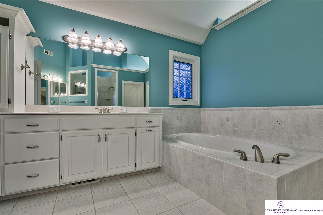 1345 W Ridge Way, Ashland, NE, 68003 | Berkshire Hathaway Home ...
