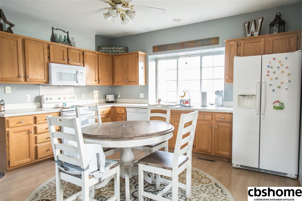 1127 Rawhide Road, Papillion, NE, 68046 | Berkshire Hathaway Home ...