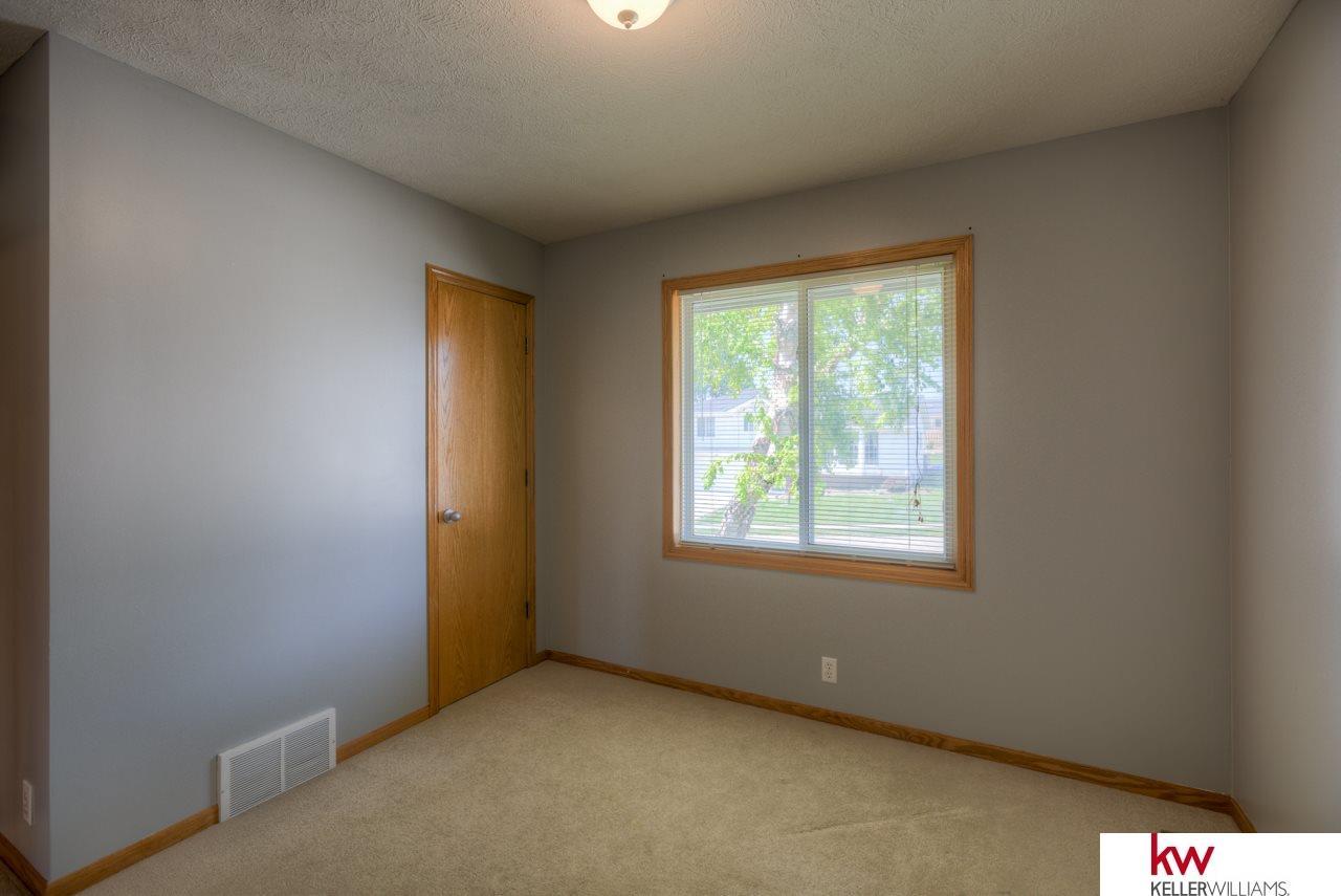 3505 Sheridan Circle, Bellevue, NE, 68123   Berkshire