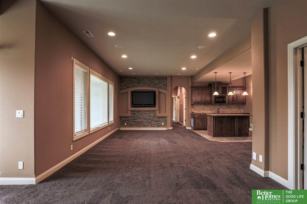18112 Mason Street, Elkhorn, NE, 68022 | Berkshire Hathaway Home ...