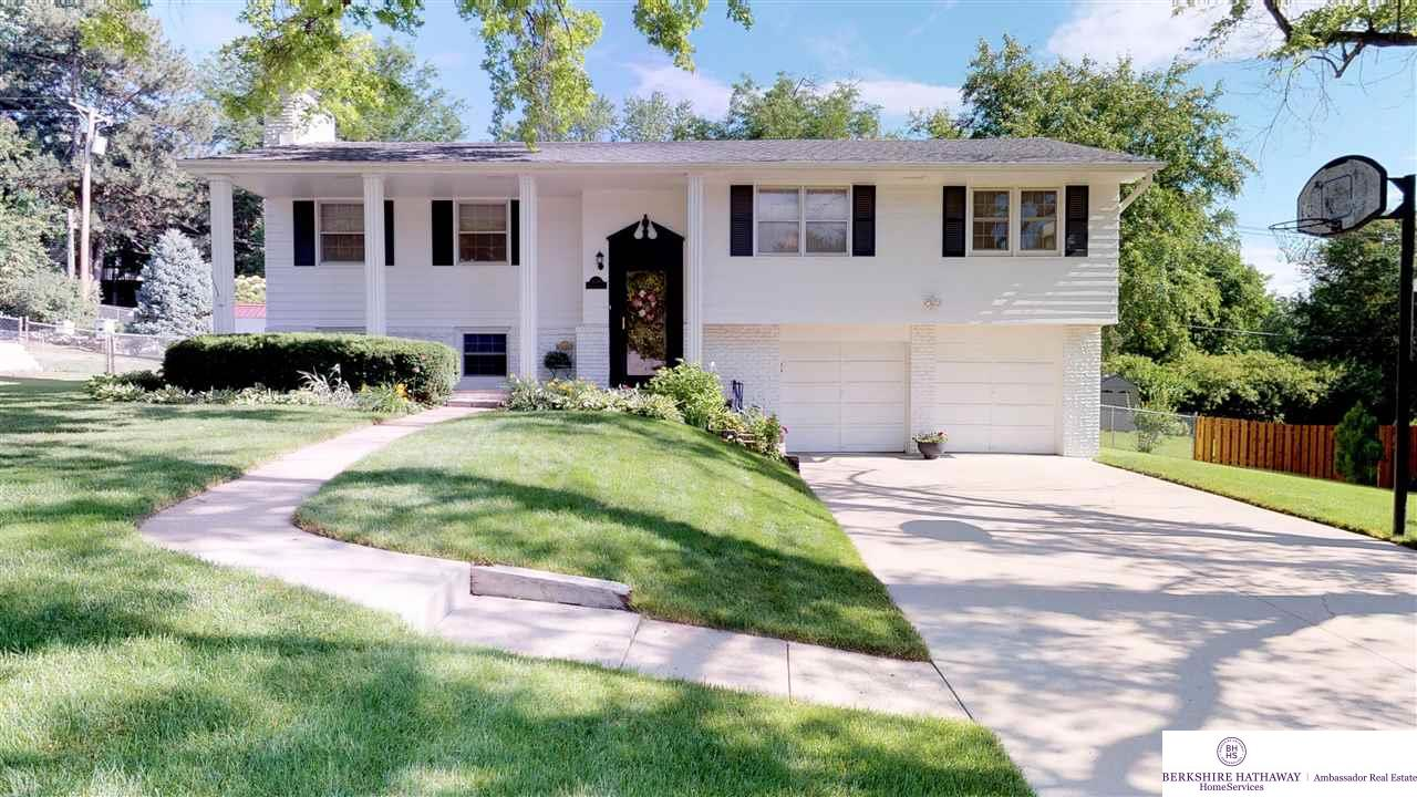10416 Grover Street Omaha Home Listings - Nancy Heim-berg Real Estate