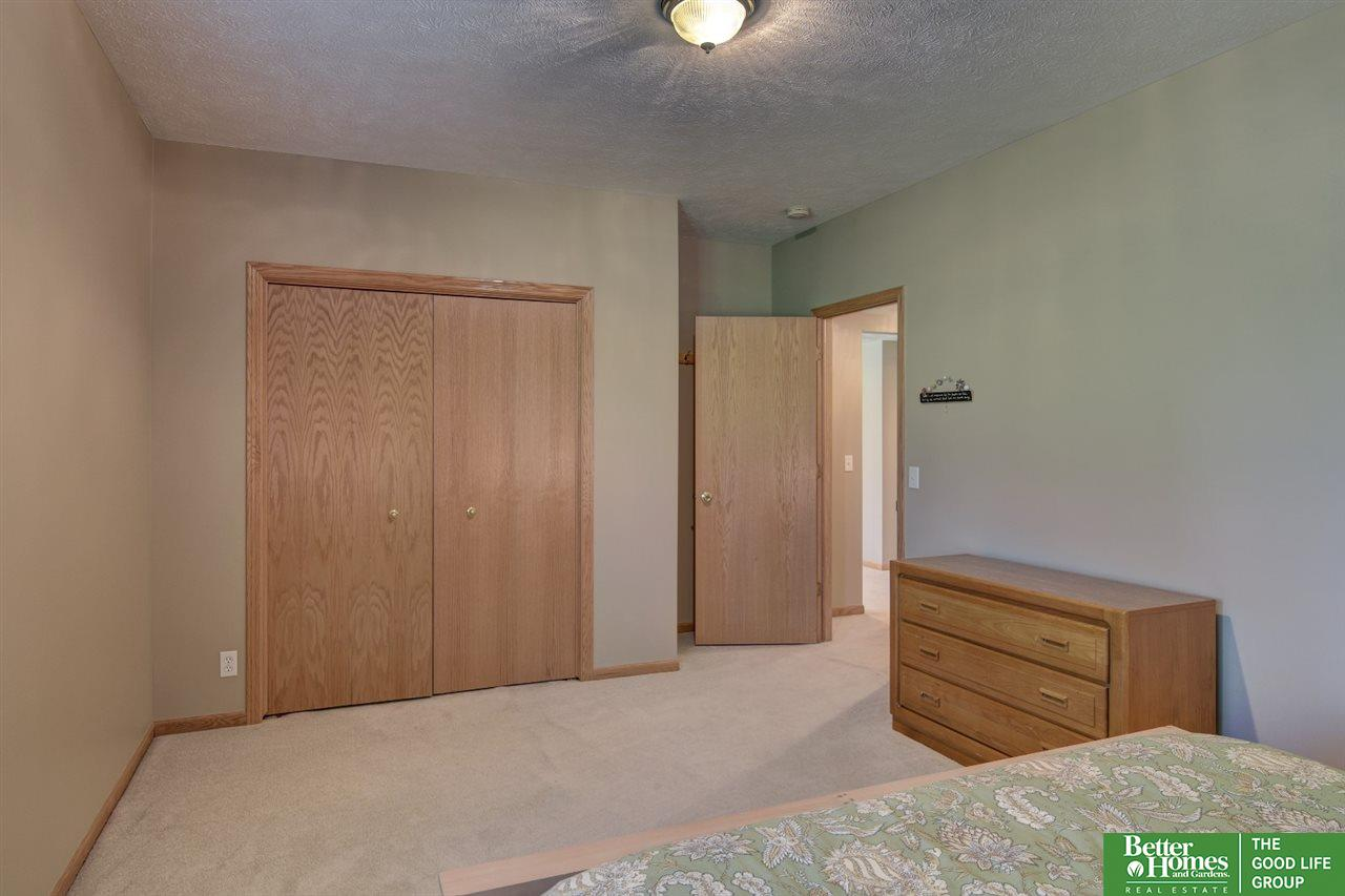 17212 Bohling Drive, Omaha, NE, 68136 | Berkshire Hathaway Home ...
