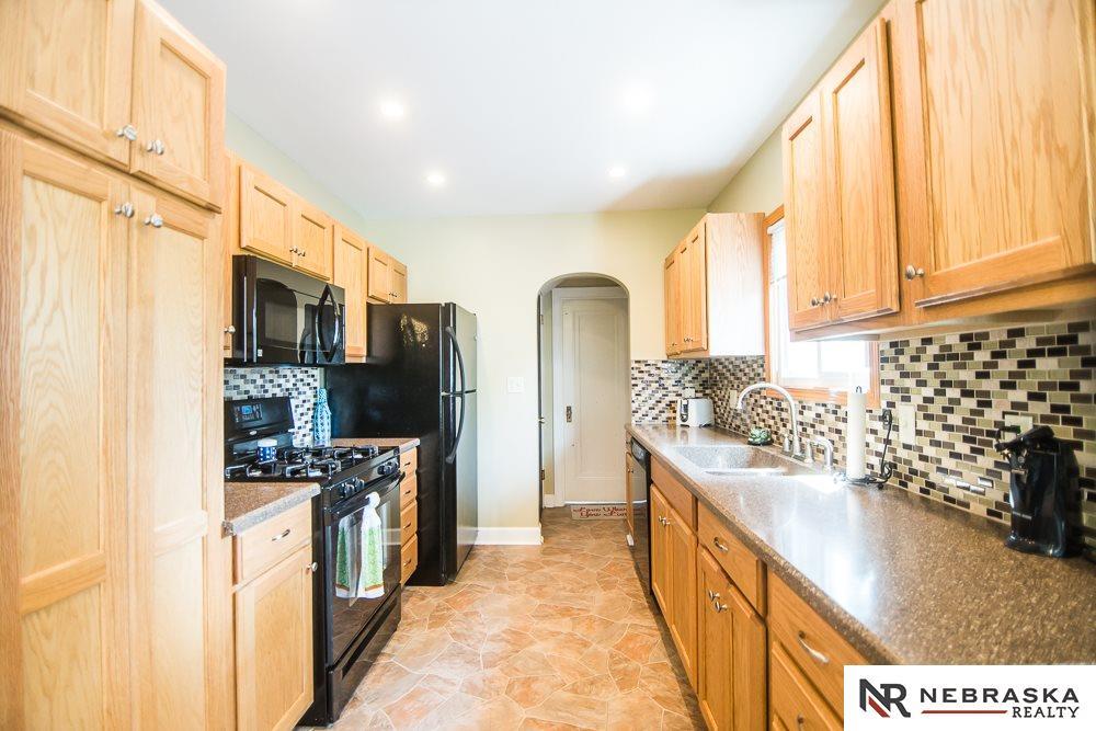 4937 Woolworth Avenue, Omaha, NE, 68106   Berkshire Hathaway Home ...