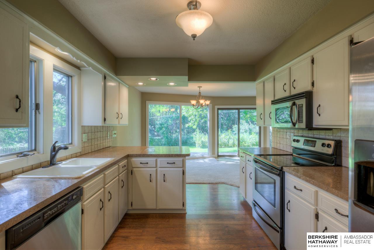 5005 Lockwood Lane, Omaha, NE 68152 | Berkshire Hathaway Home ...