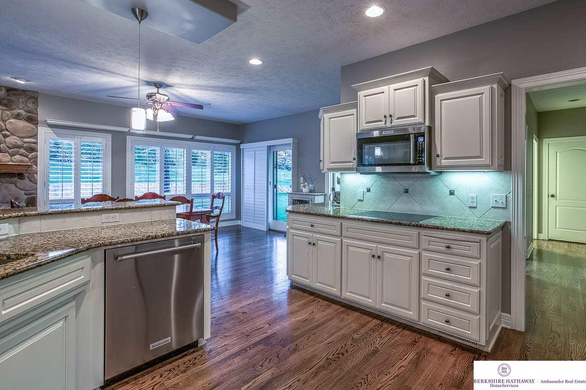 10513 S 168th Avenue, Omaha, NE 68136-4102 | Berkshire Hathaway Home ...