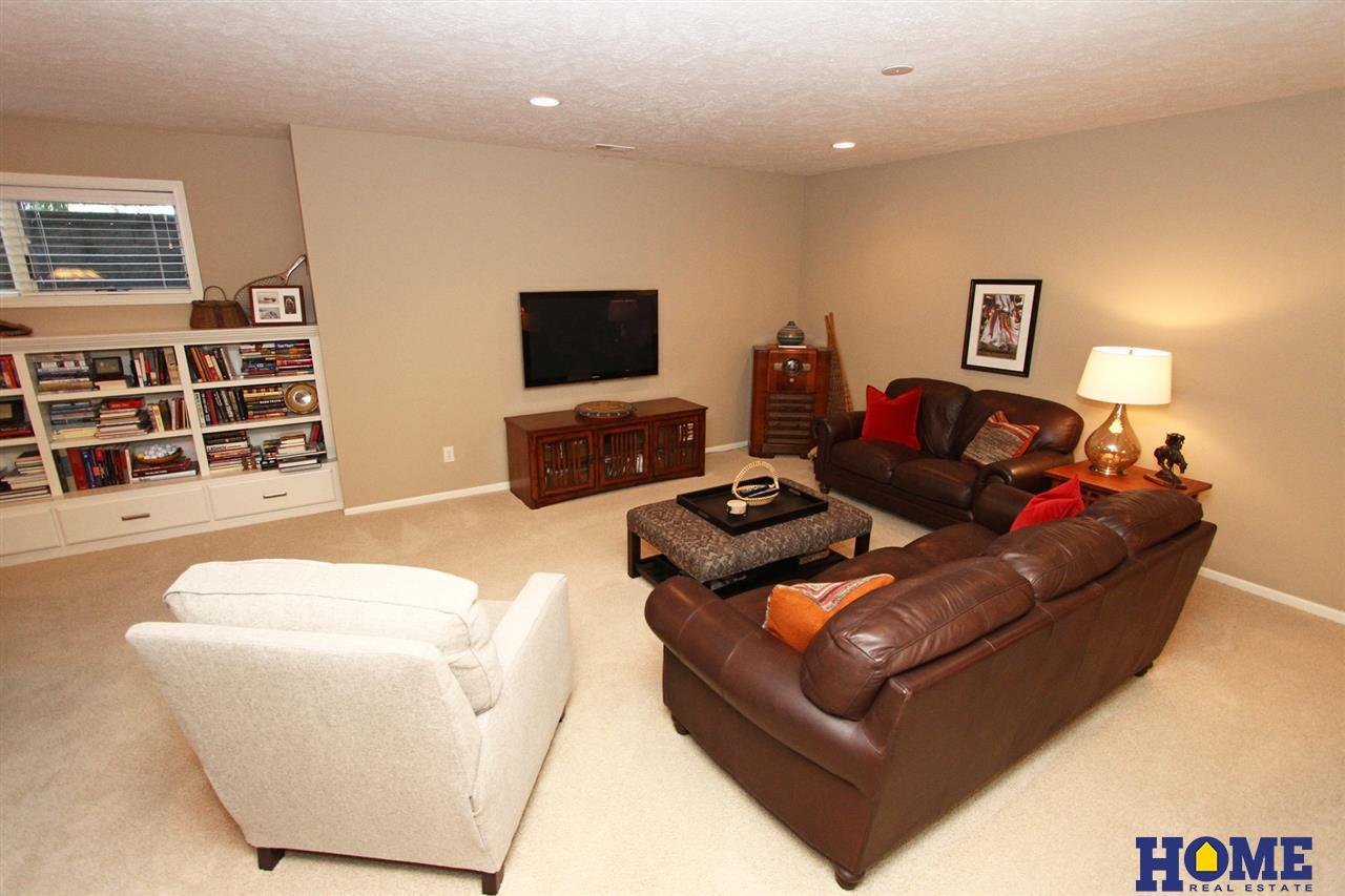8914 Lammle Circle, Lincoln, NE 68526 | Berkshire Hathaway Home Services  Ambassador Real Estate