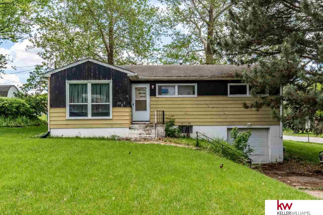 7583 Charles Street, Omaha, NE 68114 | Berkshire Hathaway Home Services  Ambassador Real Estate