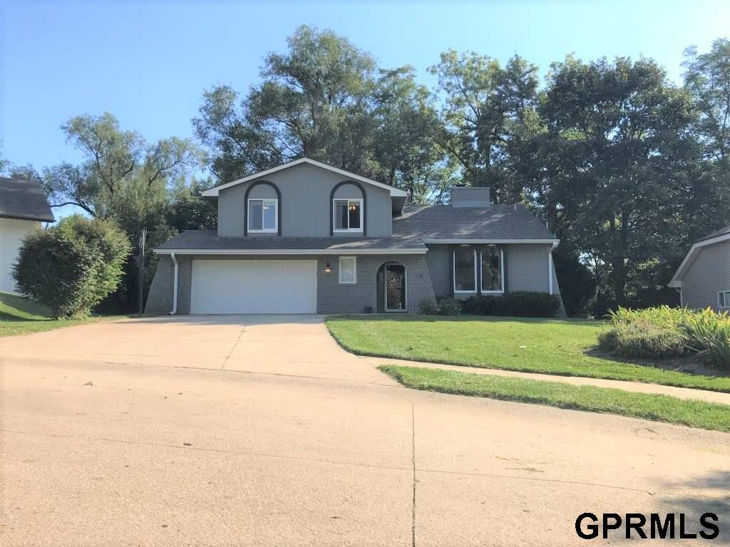 1811 S 169 Circle, Omaha, NE 68130 | Berkshire Hathaway Home Services  Ambassador Real Estate