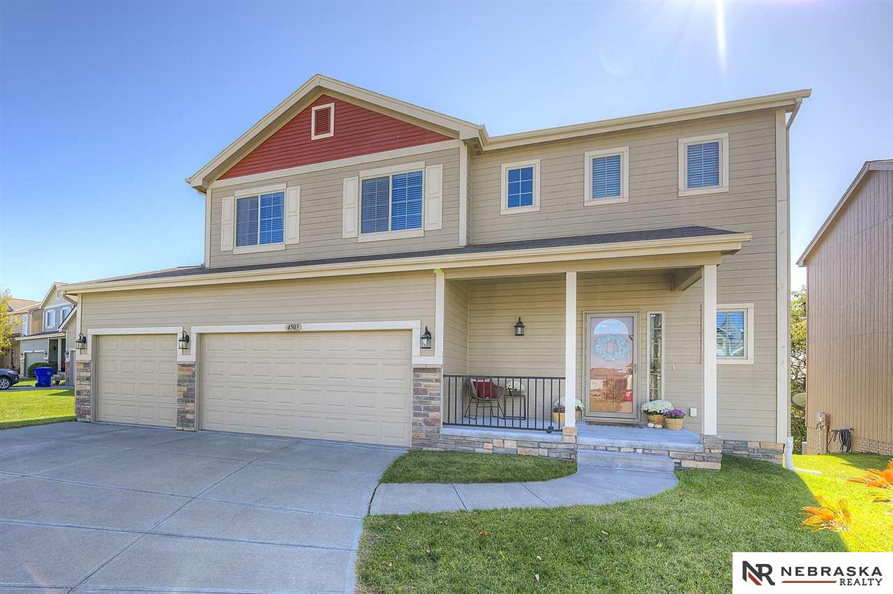 4503 Waterford Avenue, Papillion