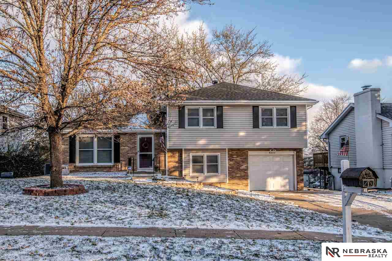 5223 S 104th Avenue Circle, Omaha